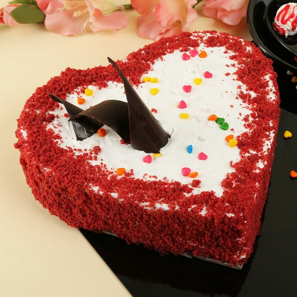 What facilities do you get with the online cake delivery?