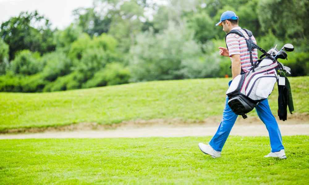 How to Carry a Golf Bag In Easy and best way in sport