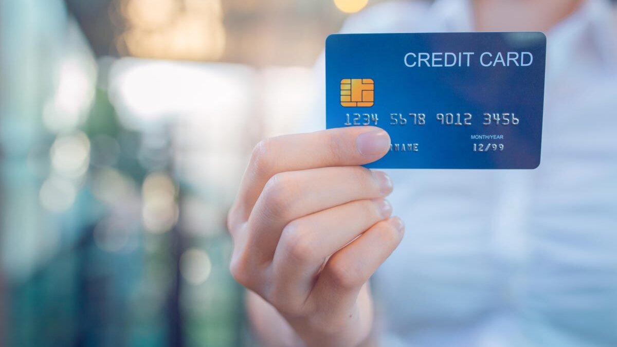 Beneficial Card Features That You Must Know If You Are A Credit Card User